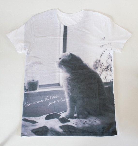 SALE - Printed T-shirt - musing cat Fuku - unisex S