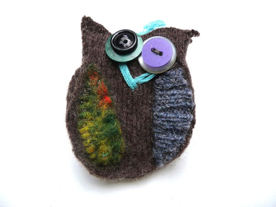 FREE SHIPPING--Mr Scruff Owl felt brooch with button detail