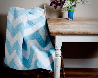 Chevron Accent Throw : a pdf quilt pattern