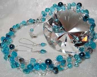 Sky Blue Bead Necklace Set, handmade beaded wire crochet jewelry, light blue beadwork necklace