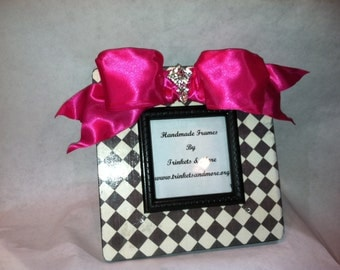 Black and White Tile with Hot Pink Bow Picture Frame