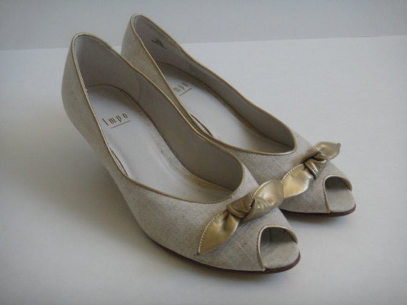 Linen and Gold Leather 7 1/2 shoe