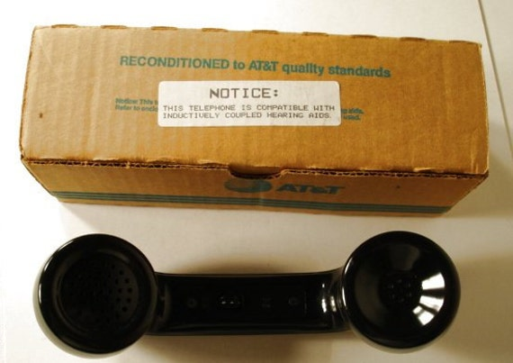 AT & T Handset With Hearing Aid Built In New old Stock with box must see item