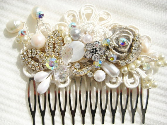 Bridal Hair Comb or Clip in Ivory -LAST ONE- Vintage Hair Piece- Wedding Hair Accessories- Fascinator