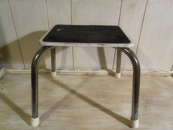 Vintage chippy metal step stool