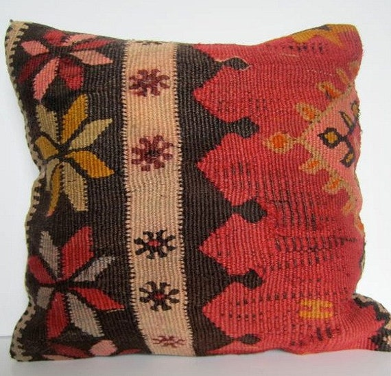 SALE/ Vintage Hand Woven Turkish Kilim Pillow Cover.