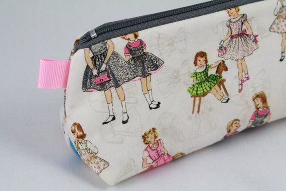 Knitting Notions pouch, pencil bag or make up bag. McCalls Vintage girls