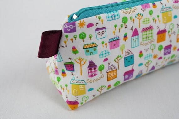 Knitting Notions pouch, pencil bag or make up and cosmetic bag. Cute little happy houses