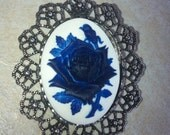 Shabby Chic White and Navy blue Rose Brooch Pendant Vintage Victorian Cameo Scarf Purse Charm