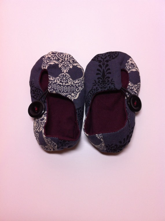 Skull Baby Shoes with Elastic Loop and Button
