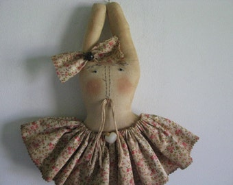 Easter rabbit  bunny, primitive,  handsewn, Easter, wall decor, gift for her, hostess gift, Mother's Day
