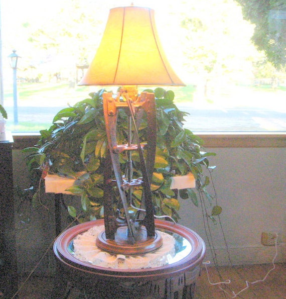 Lawnmower table lamp