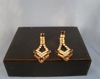 Vintage hoiday white and black rhinestone pierced earrings. (P21)