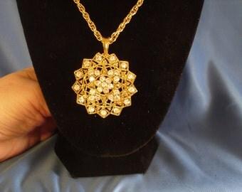 Reduced Vintage circle medallion rhinestone necklace (N8)