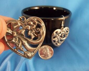 Silver flower ribbon heart pierced earrings (P44)