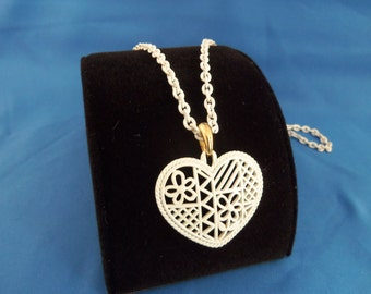 PRICE REDUCTION White cutout heart necklace with white chain (N49)