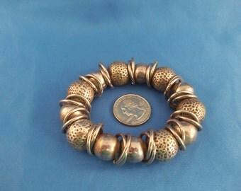 Silver multi circle strech bracelet (B11)