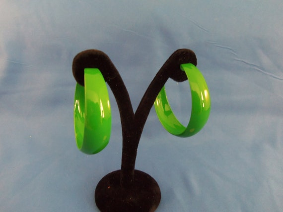 Lime green pierced Hoops. (P76)