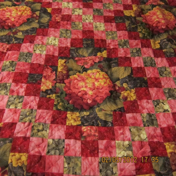 Triple Irish Chain Hydrangea focal fabric