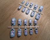 Hand-painted snowmen false nails