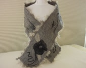 Gray felted wool scarf - 1006
