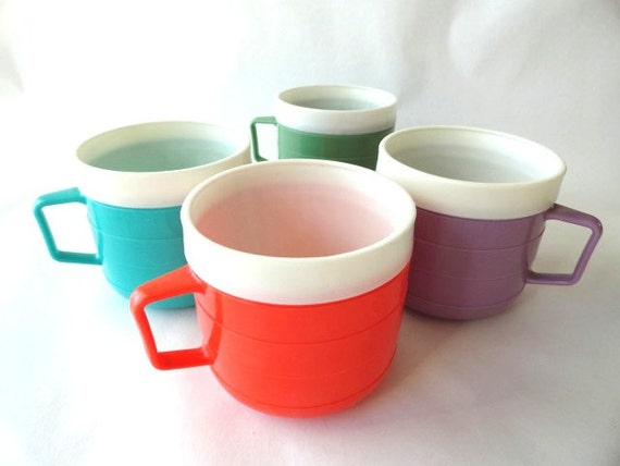Vintage Malibu Therm-o-ware Cups in Aqua, Red, Lavender and Muted Olive