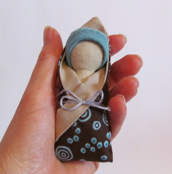 "3"" little hemp baby bundle with blue cap and polka dot blanket"