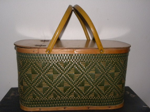 Lovely Vintage Picnic Basket with metal handles-summer ready.