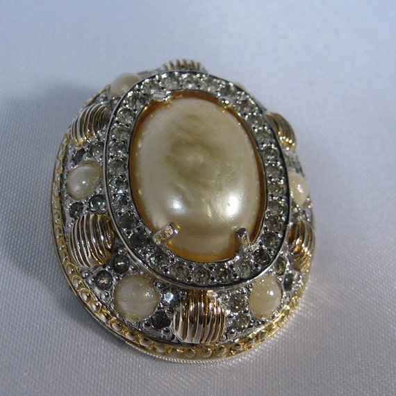 Exceptionally Gorgeous Vintage Pave Rhinestone and Pearl NETTIE ROSENSTEIN Brooch