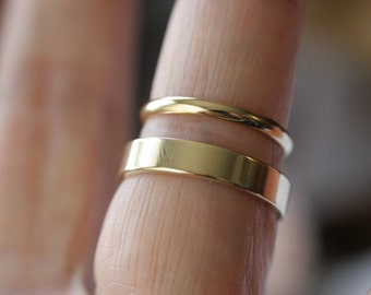 Odd couple 14k wedding bands