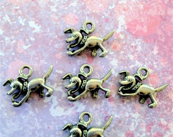 Cute Doggie Charms -5 pieces-(Antique Pewter Silver Finish)--style 701--Free combined shipping