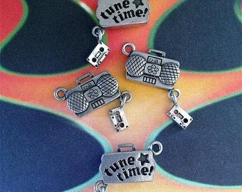 Radio/Boom Box/Cassette Player Charms ---4 pieces-(Antique Pewter Silver Finish)--style 794--Free combined shipping