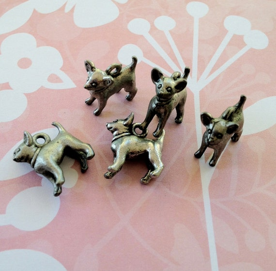 Chiwawa  Doggie Charms -5 pieces-(Antique Pewter Silver Finish)--style 712--Free combined shipping