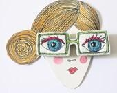 Lulu Spectacle Brooch