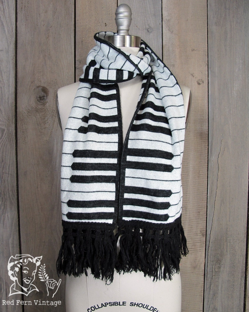 Knitting Pattern Piano Keyboard : Vintage St. Elmos Fire Knit Piano Key Scarf