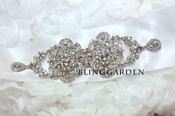 Vintage Style Dangle Linked Hook  Rhinestone Crystals Wedding Bridal Dress Brooch Establishment