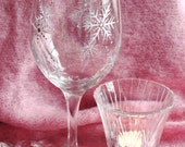 Icy Snow Wine Glass