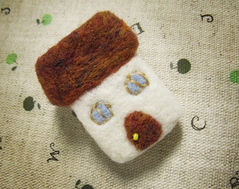 Small house felt brooch