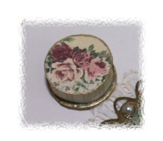 Ladys  historic rose round box OOAK Dollhouse scale 1/12
