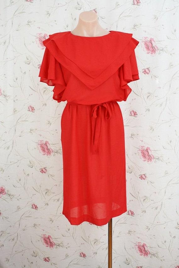 Vintage red dress w/ double layered bib collar M