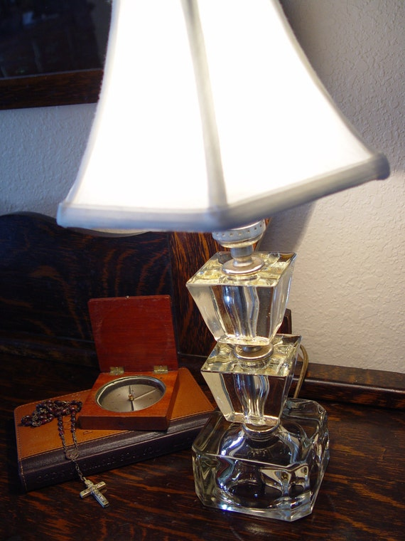 Art Deco Vintage Leviton Table Lamp