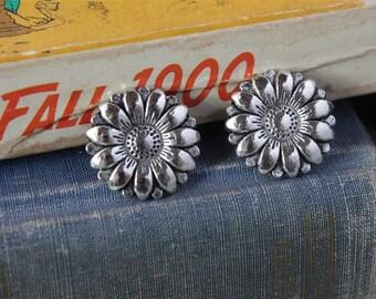 8 pcs Antique Silver Sunflower Shank Buttons 17mm (SB288)
