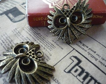 8 pcs Retro Antique Bronze Owl Head Charms Can Hold Rhinestones(BC453)