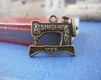 8 pcs Antique Bronze Singer Sewing Machine Charm 20mm (BC574)