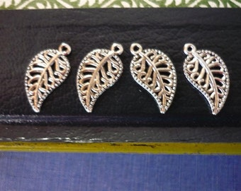 25 pcs Antique Silver Leaf Charms 18mm (SC600)
