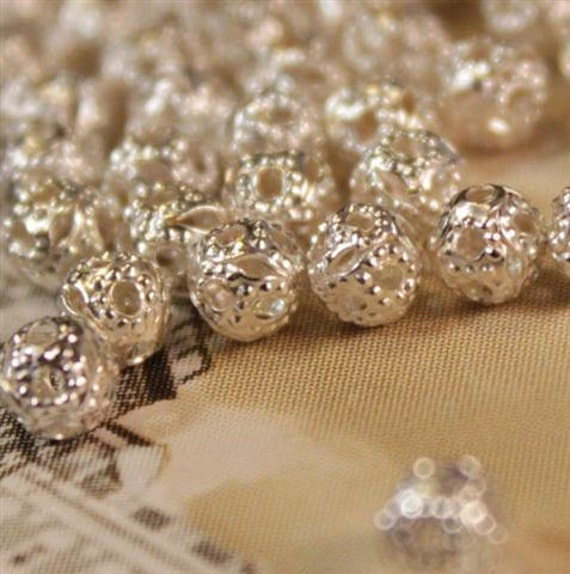 100 pcs Ornate Filigree Silver  Beads 4mm (sb148)