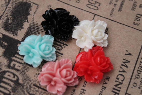 CLEARANCE 10 pcs Multi Colored Resin Flower Cabochons 16 x 16mm (MXRC307)