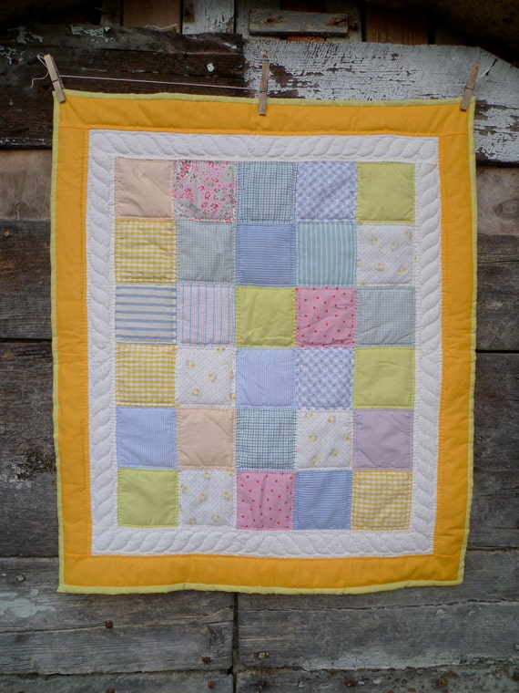 Baby patchwork quilt - HAPPY