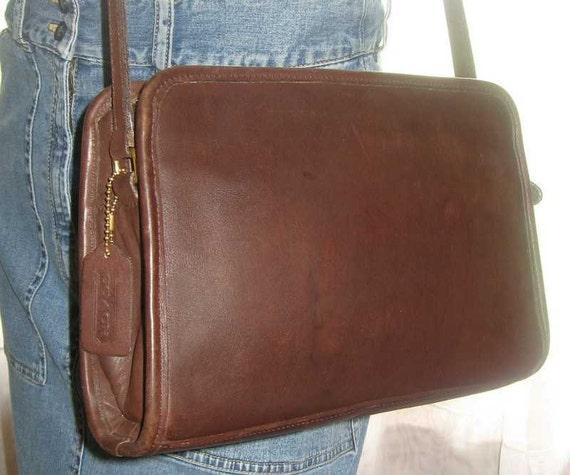Vintage Coach Brown Leather Shoulder Bag 20