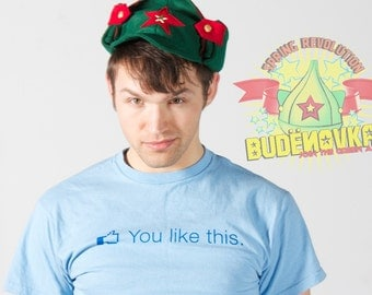 Green Russian Hat: The Revolutionary BUDENOVKA - Green/Red - 100% Recycled felt